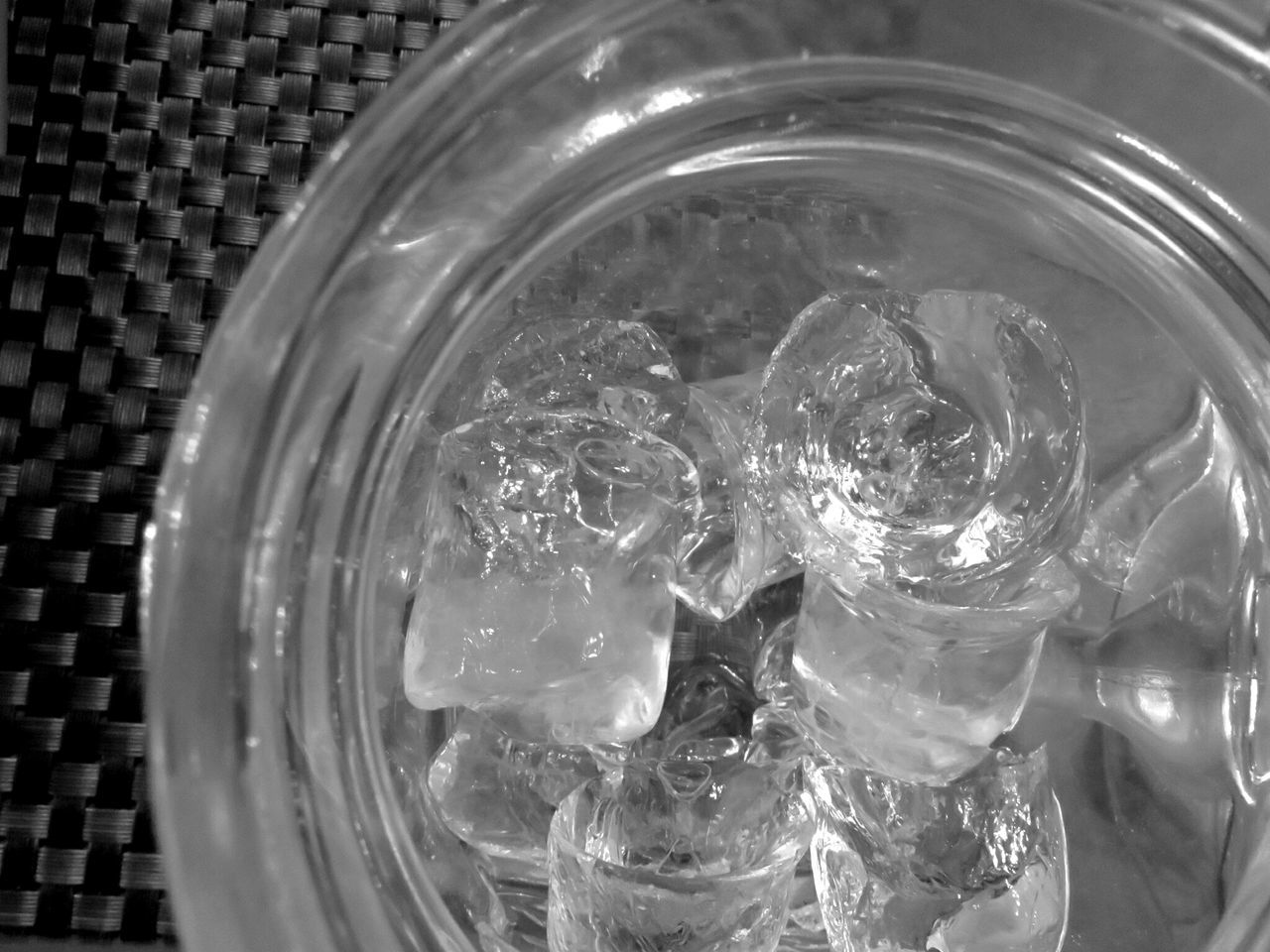 Ghiaccio Drink Learn & Shoot: Simplicity Texture And Surfaces Blackandwhite EyeEm Best Shots Light And Shadow Filmcamera Getting Inspired Macro Beauty Minimalobsession Canon Canonphotography Ice Cold Glass Drink Photography Memory Monochrome White Album EyeEm Eyeemphotography EyeEm Gallery Eyeem Weekend
