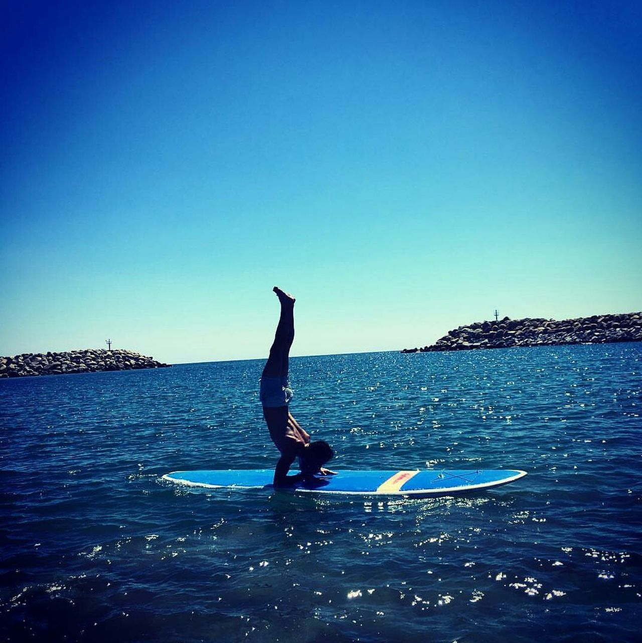 Sea Water Outdoors Day First Eyeem Photo Yoga Yoga Practice Paddleboarding Paddle Paddleboard Me Beach Pinchamayurasana Pincha Photooftheday Photographer Photographylovers Men Horizon Over Water