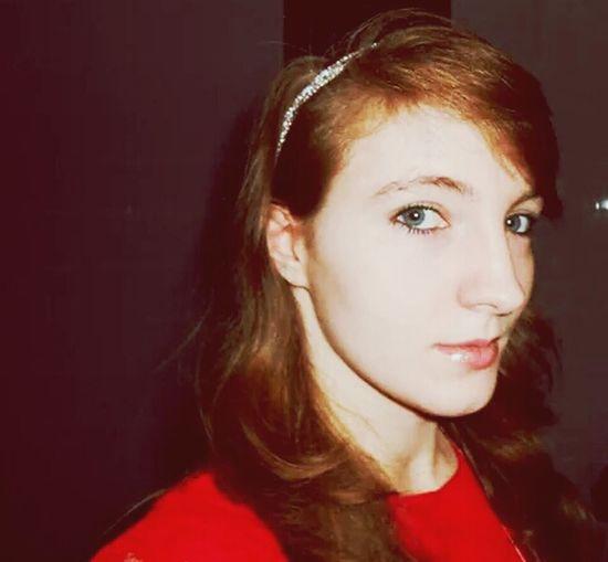 Hi Portrait Red Dress