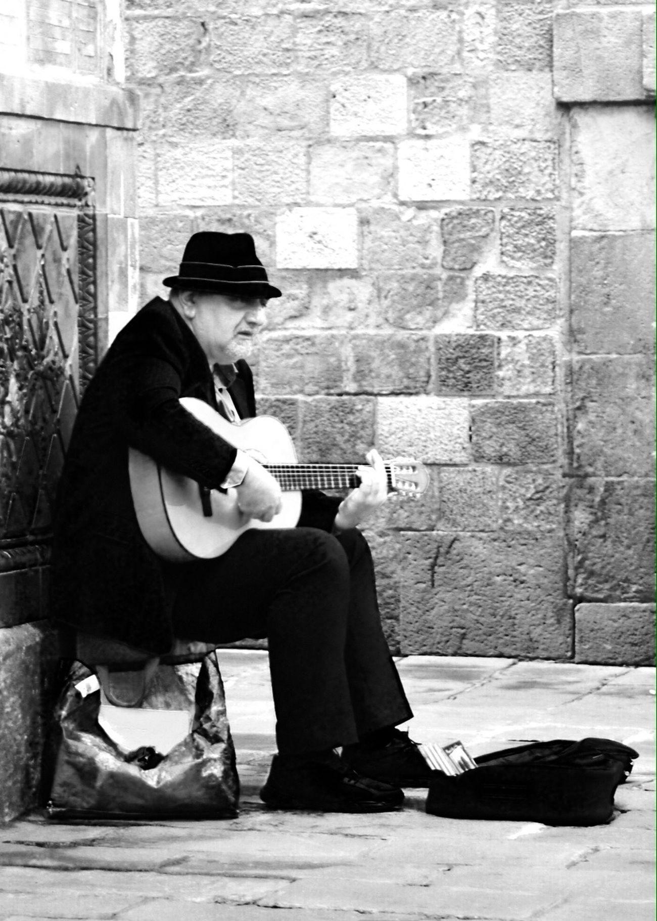 Street Musician Superb Mr. Cohen Streetphoto_bw