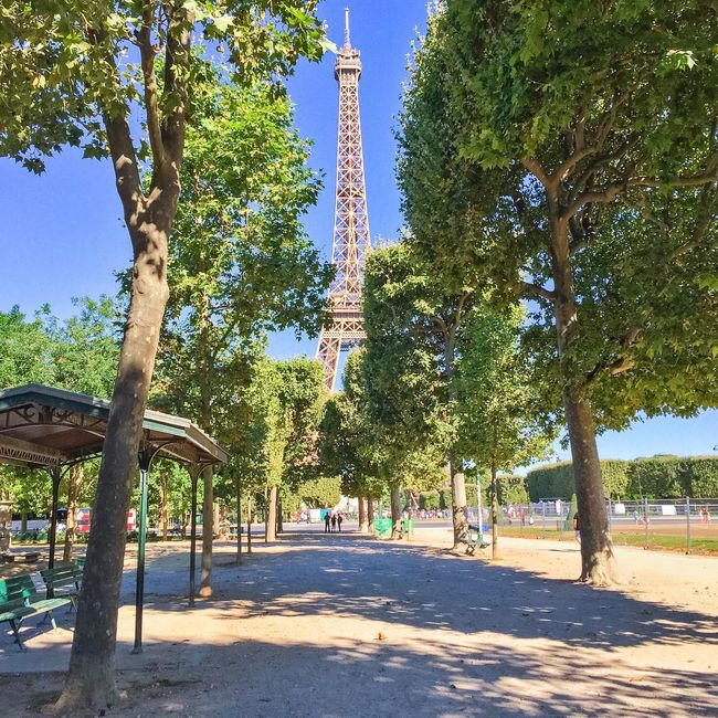 Bon dimanche! Good Morning Paris! Parisweloveyou Eyem Best Shot - Architecture Paris Architecture EyeEm Best Shots Photooftheday