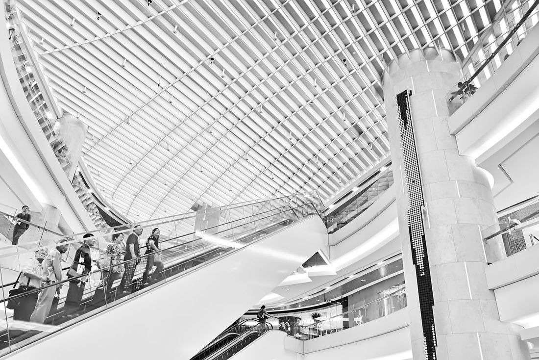 The Amazing Ascent. Architecture Architecture_collection Street Photography Streetphoto_bw Escalator Urban Geometry Urban Singapore Ion Geometry Lines