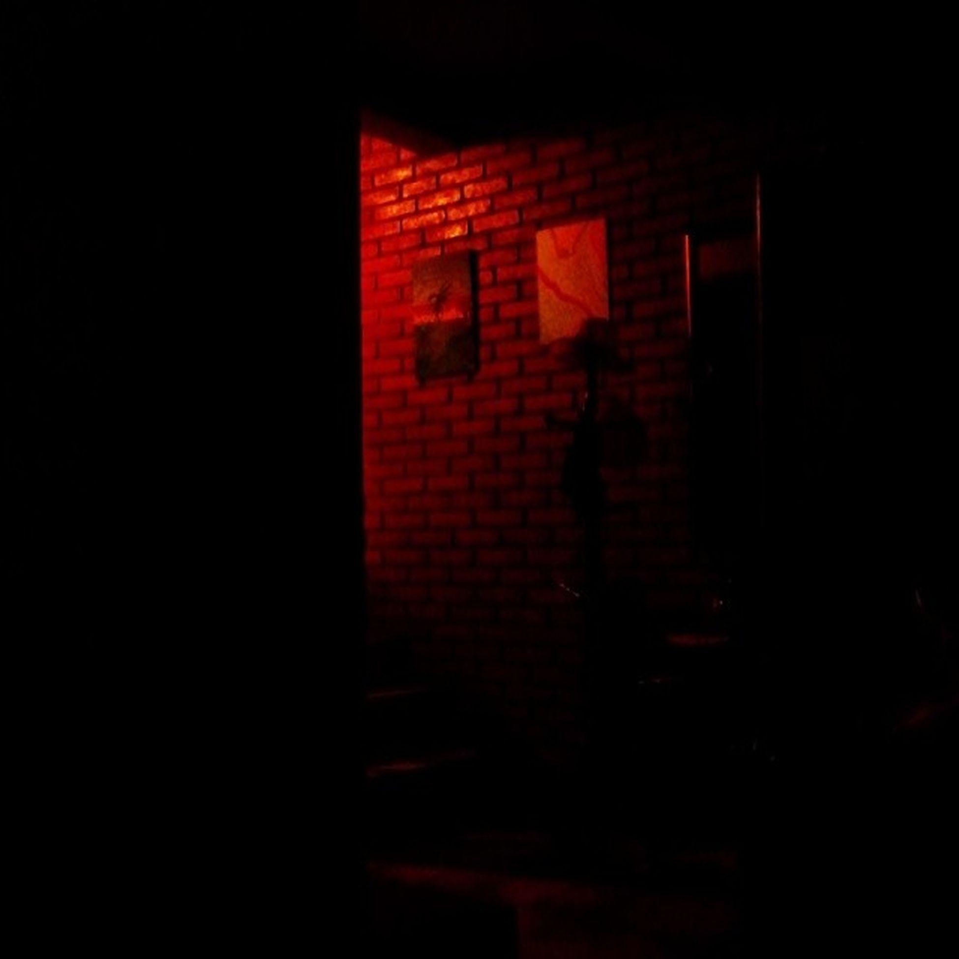 Na sala,no escurinho...