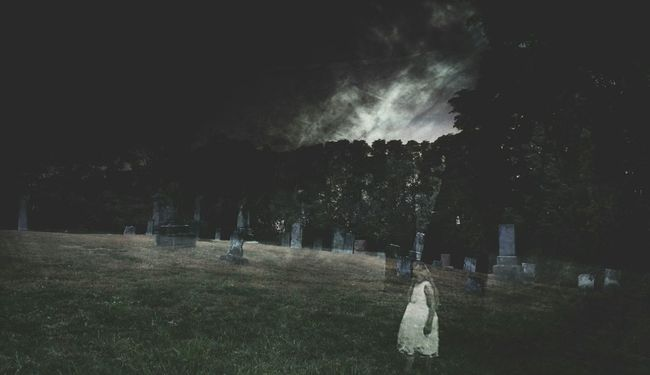 Gohst Cemetery Indiana Photography Artistic AMPt_community Theappwhisperer Notes From The Underground Dark Portrait
