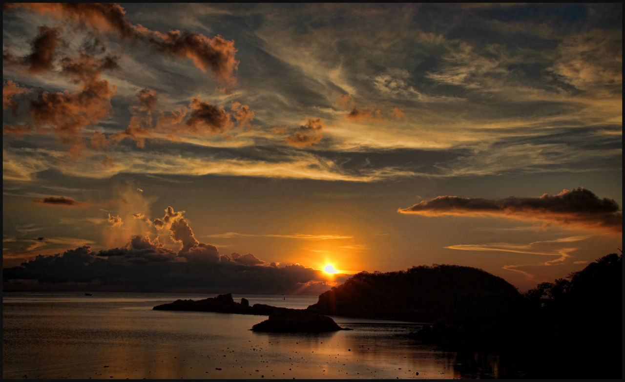 Beauty In Nature Clouds And Sky Idyllic Island Nature Scenics Sea Sky Sunrise_sunsets_aroundworld Sunset Tranquility