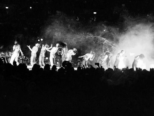 Beyoncés Dancers Large Group Of People Celebration Enjoyment Crowd Fun Performance Illuminated Event Culture Entertainment City Life Beyonce Beyonce ❤ Beyonceknowles Beyoncé Concert Beyonce♥ Beyonceconcert Beyoncetour Formation Blackandwhite Slay Dancers Live Live Music Music
