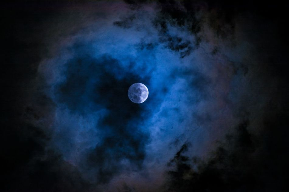 My moon Sequence 04 Clouds And Sky Exceptional Photographs Eye4photography  EyeEm Best Shots Feeling Inspired Luna Luna Llena Moon Moon Shots Moonshots  Night Night Photography Night Sessions No People Outdoors Popular Photos Sky