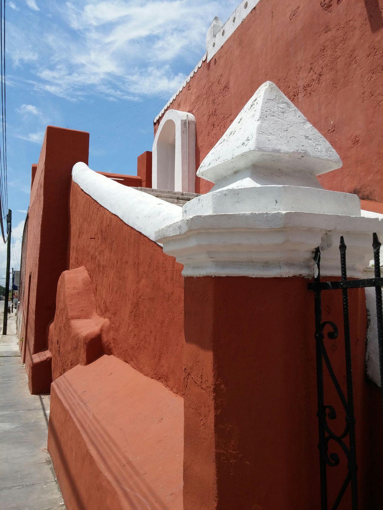 Detalle de la iglesia de la candelaria Valladolid Yucatan Mexico Iglesias Colonial Colors Colorful City Pueblomagico
