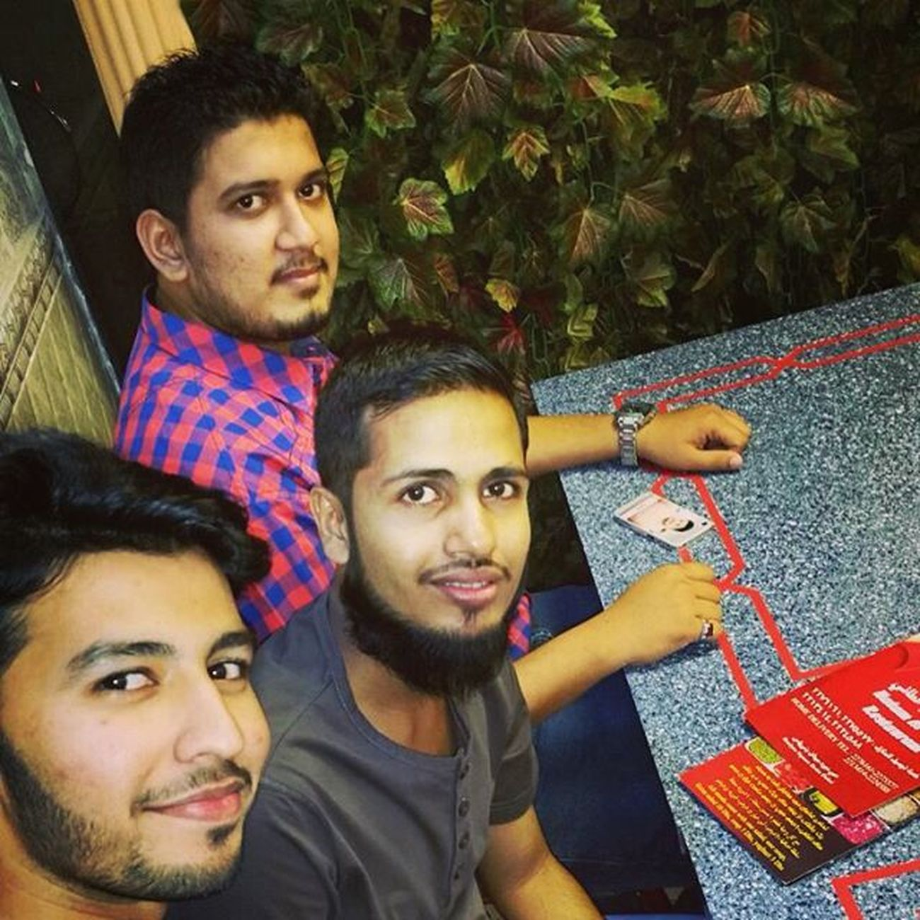Dinnerwithfriends Dinnertime Friday Myfriday Fridaymood🔛 ChickenShawarma Dubailife Dubaifun Dubaifamily Instadubai Instadaily Instalife Instaphoto Instamood Instalove Instaloversapp Instagramers