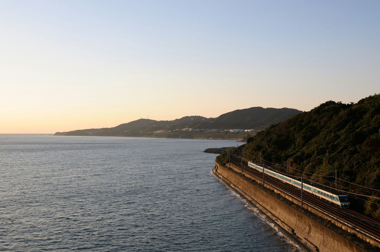 Japan Train Railway Sunset Sky See 紀伊水道 Magic Hour くろしお Nikon