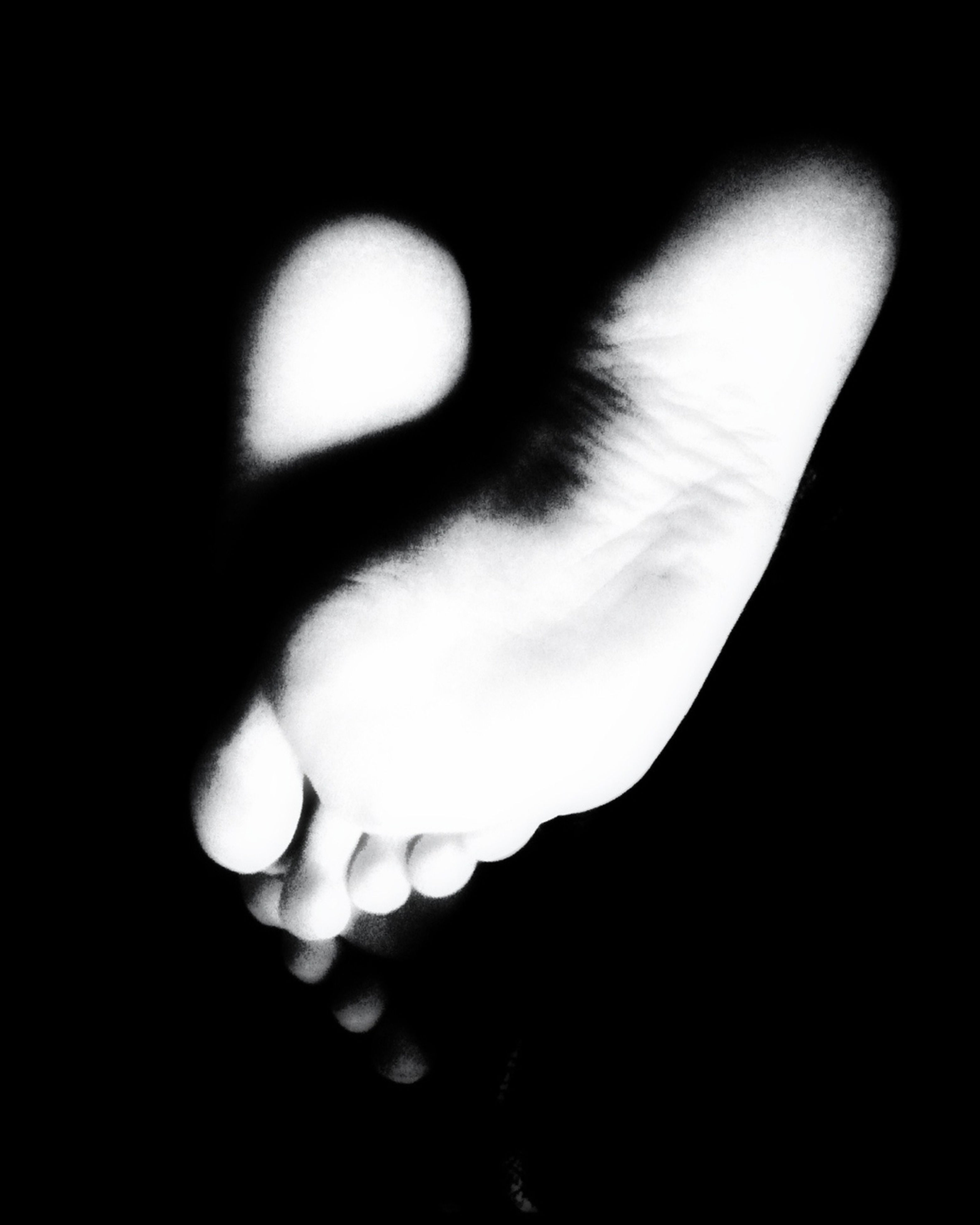black background, studio shot, dark, copy space, close-up, night, darkroom, part of, person, indoors, silhouette, mystery, cropped, light - natural phenomenon, side view, moon, nature