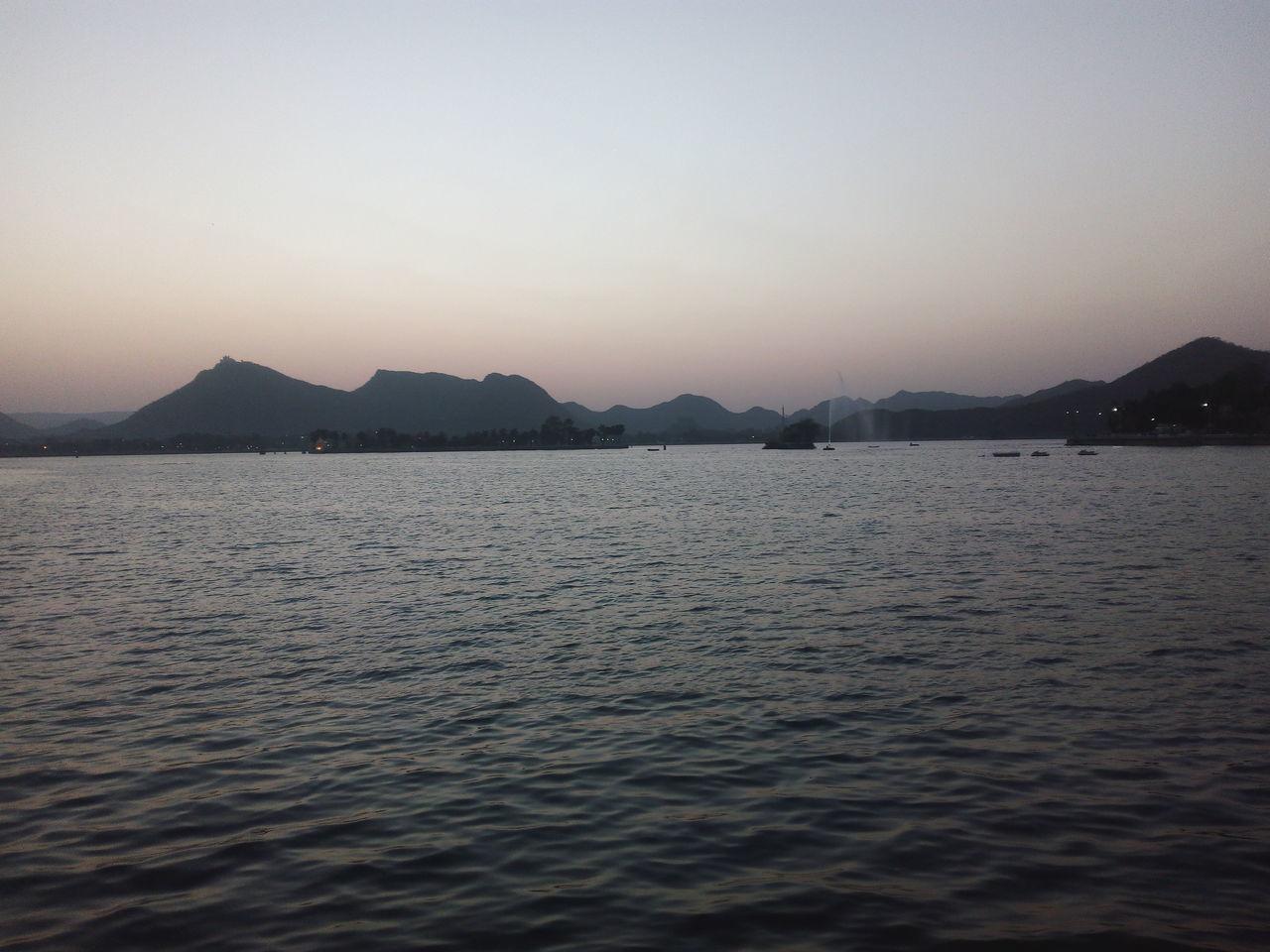 Evening @ Fatehsagarlake Fatehsagar Rajasthan Lake Sunset Light WaterfrontWater Mountain Aravali Range Aravalli Mountain Range Aravali Sky