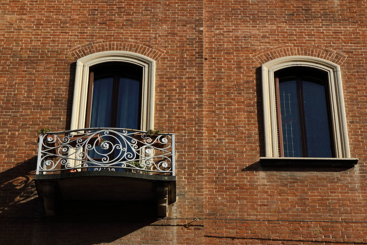 window, architecture, brick wall, building exterior, built structure, no people, technology, day, outdoors, close-up