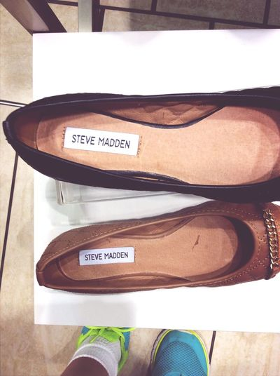 So im a madden and im in the steve madden shop...