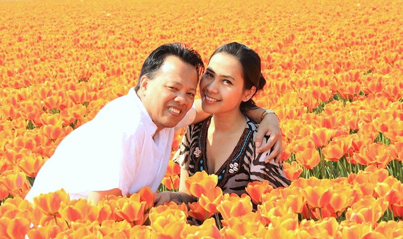 Enjoy the sun in the tulipfield Romantic❤ Enjoying Life Pose - ILoveYou.♡