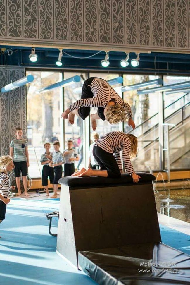 From a show yesterday at the local library. www.ma-foto.se or kik : mafoto & wechat : ma-foto Show Entertainment Happening Acrobatics  Acrobat Circus Boy Youth Youthgroup Sweden Library Norrköping Nuc Jump Jumping Parcour Cool Kids Nikon Nikonphotography Young Men Photography Flying High
