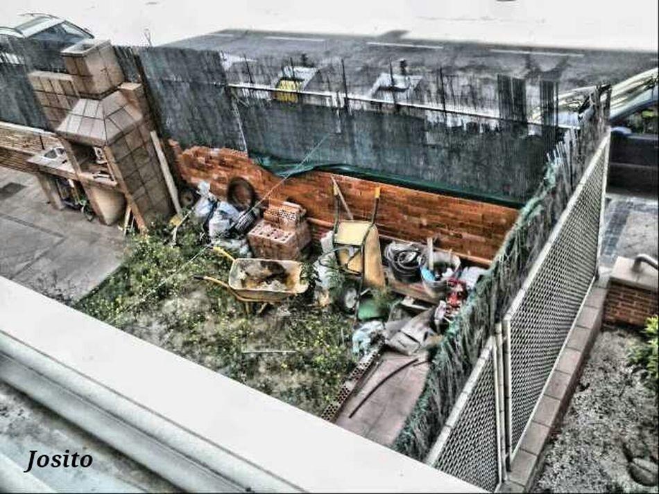Abandonado a la fuerza por culpa de la p**a crisis. Abandoned because of the economic crisis. HDR Taking Photos Españoles Y Sus Fotos ParlaEste