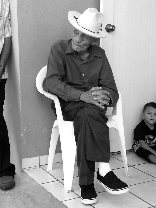 B&w Photography B&w Oldmen Old Man Old Men Oldman Anciano Viejo Viejito 90yearsold Blanco Y Negro B&n Fotografia