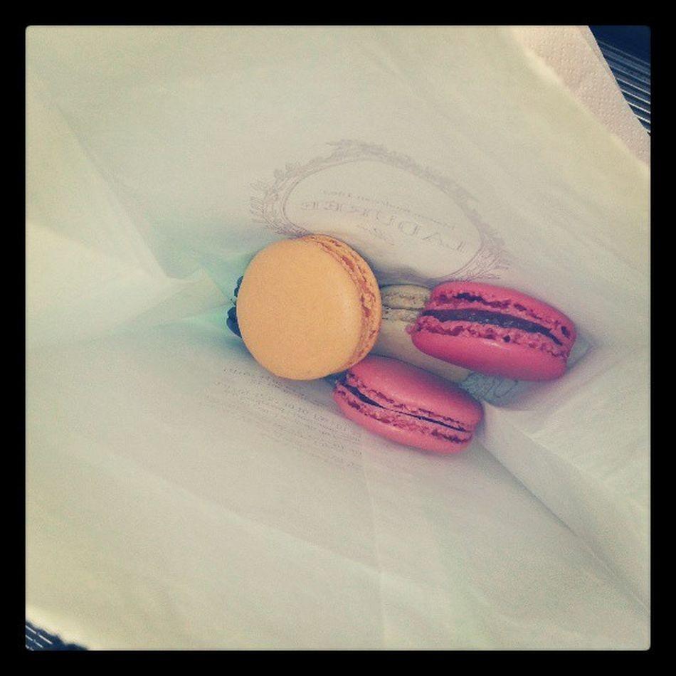 How to make me happy! Macarons Laduree France Love