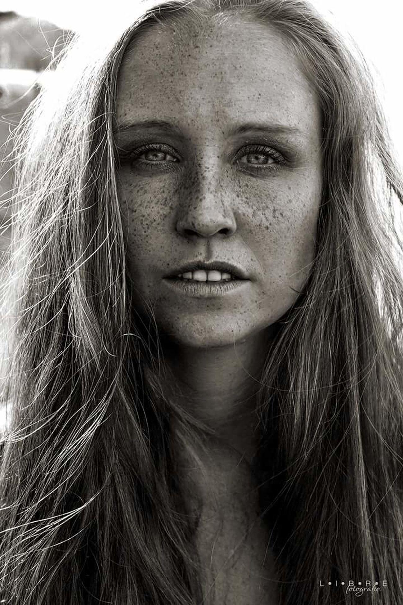 Model: Yaiza First Eyeem Photo Portraiture Portrait Photography Portrait Of A Woman Portrait Freckles Freckleseverywhere Blackandwhite