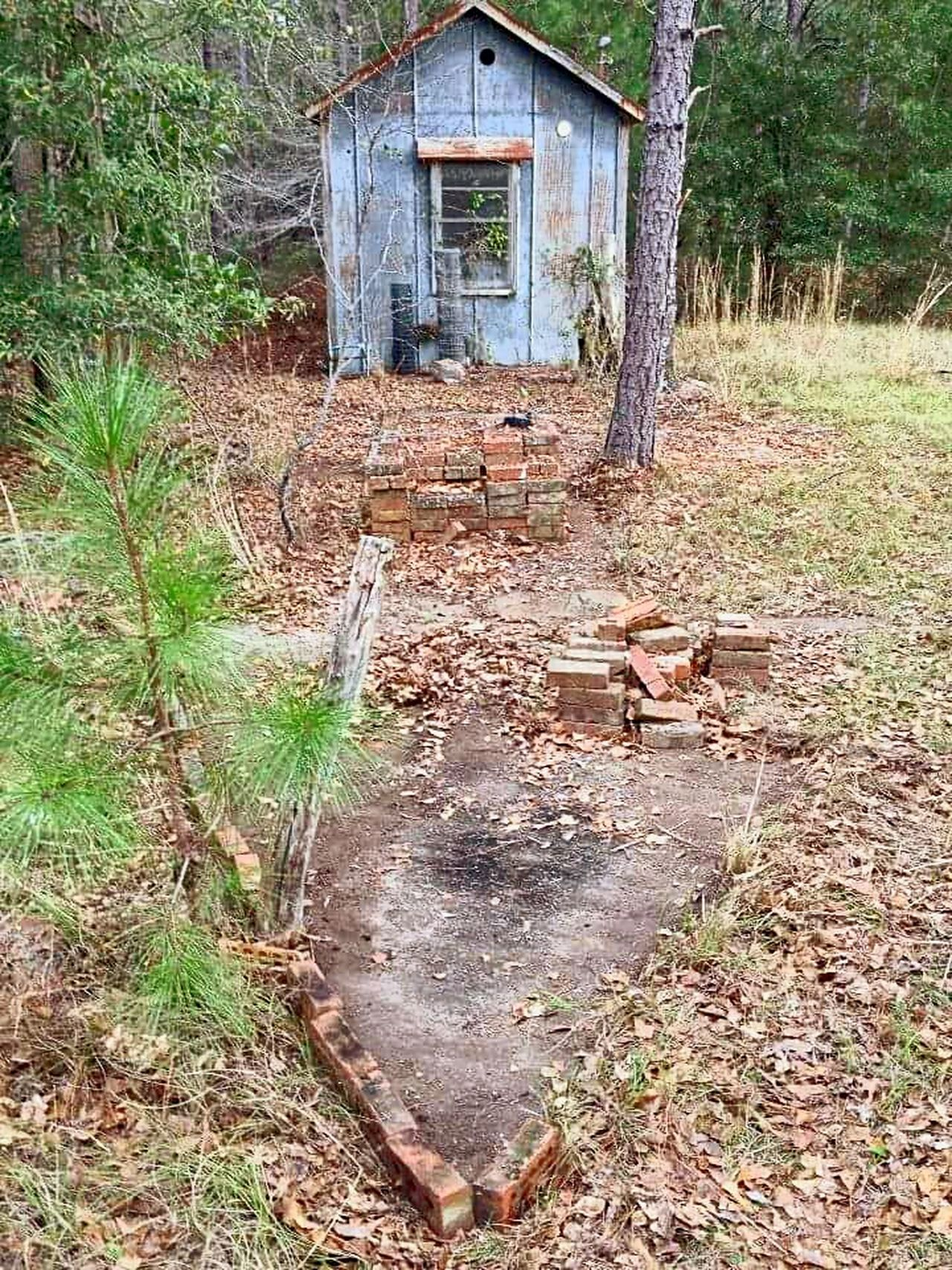 Inland Lighthouse - Look them up. Fascinating. Inland Lighthouse Eastman, Ga Georgia Lighthouse_lovers Lighthouse Lighthouses Lighthouses Of Georgia For Mail Planes No Gps Big Arrows History Through The Lens  Unknown History