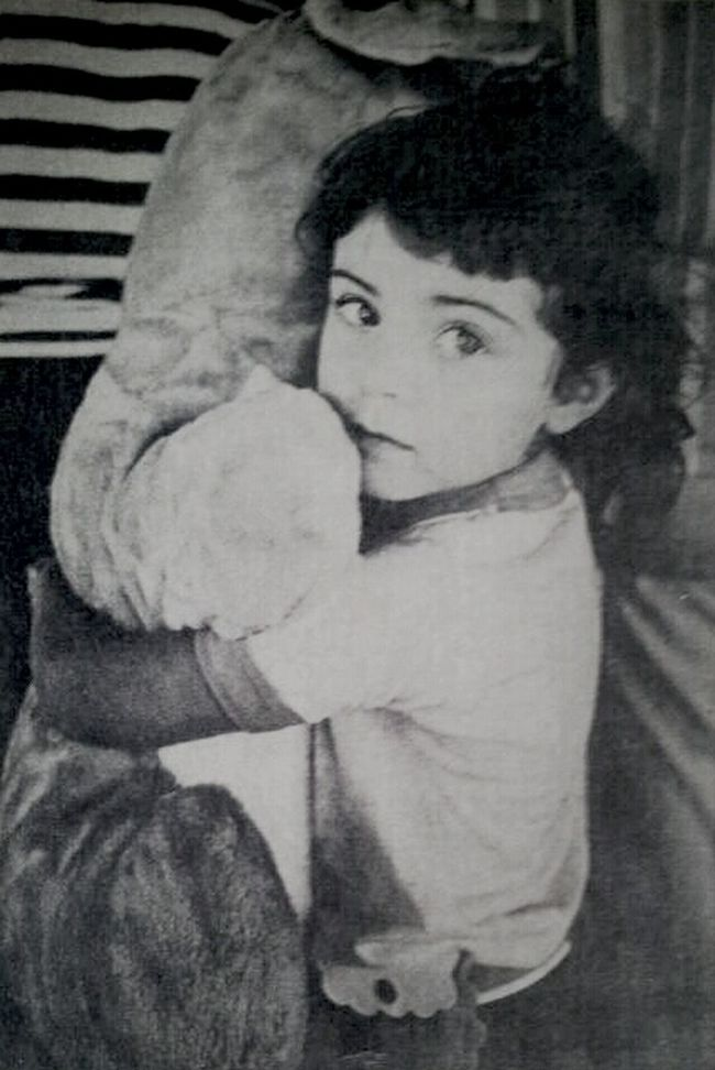 Newspaper clipping of me at 5...lol #ThrowBack Selfportrait Throwback Thursday Throwback #OldPicture Jus Because  AMPt - Shoot Or Die MeMyselfI Blackandwhite Selfie