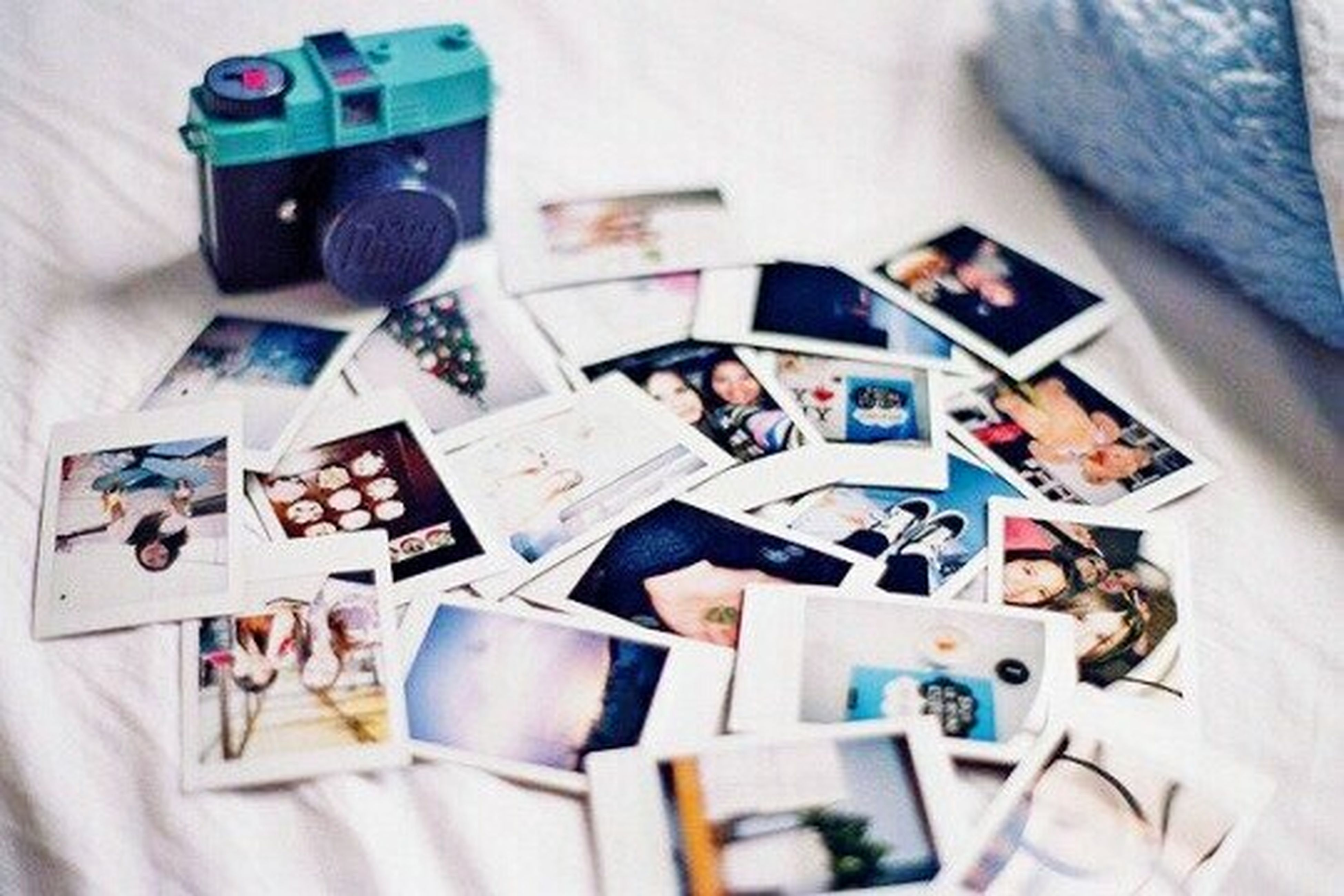 photograph, old-fashioned, retro styled, multi colored, no people, indoors, photography themes, close-up, day