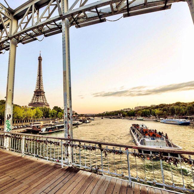 Bonsoir Paris! Good Evening Paris Being A Tourist Eyem Best Shot - Architecture Architecture Parisweloveyou Paris EyeEm Best Shots Streetphoto_color Paris ❤