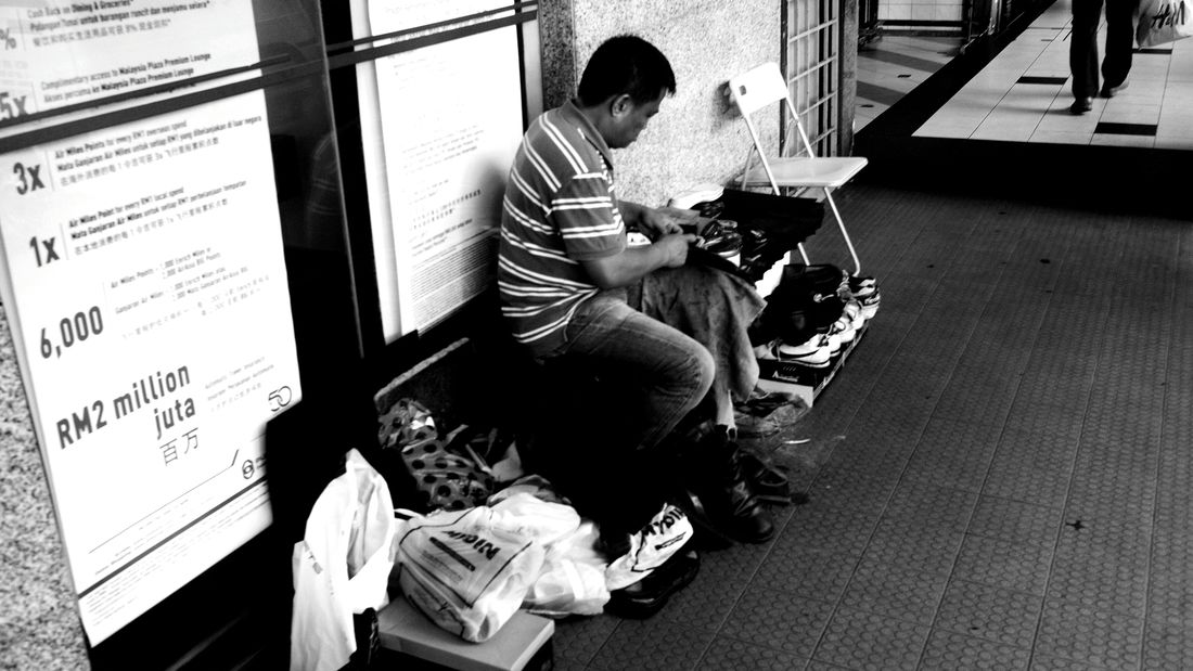 Cobbler Malaysia Street Photography For A Living Monochrome Working