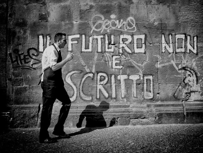 Streetphotography TheMinimals (less Edit Juxt Photography) Streetphoto_bw Napoli Street The Human Condition