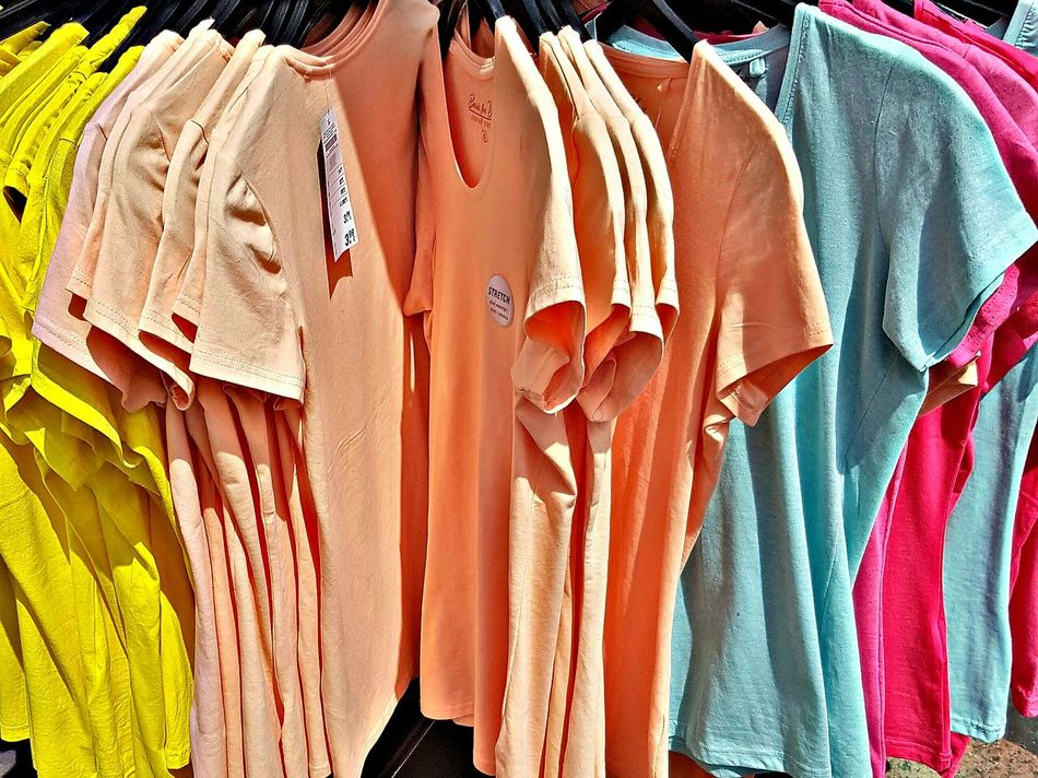 T-shirts T-shirts💓 Colorful Shop Shopping Center Shopping Street Street Life City Street City Life My City No People GalaxyS7Edge Macro Close-up