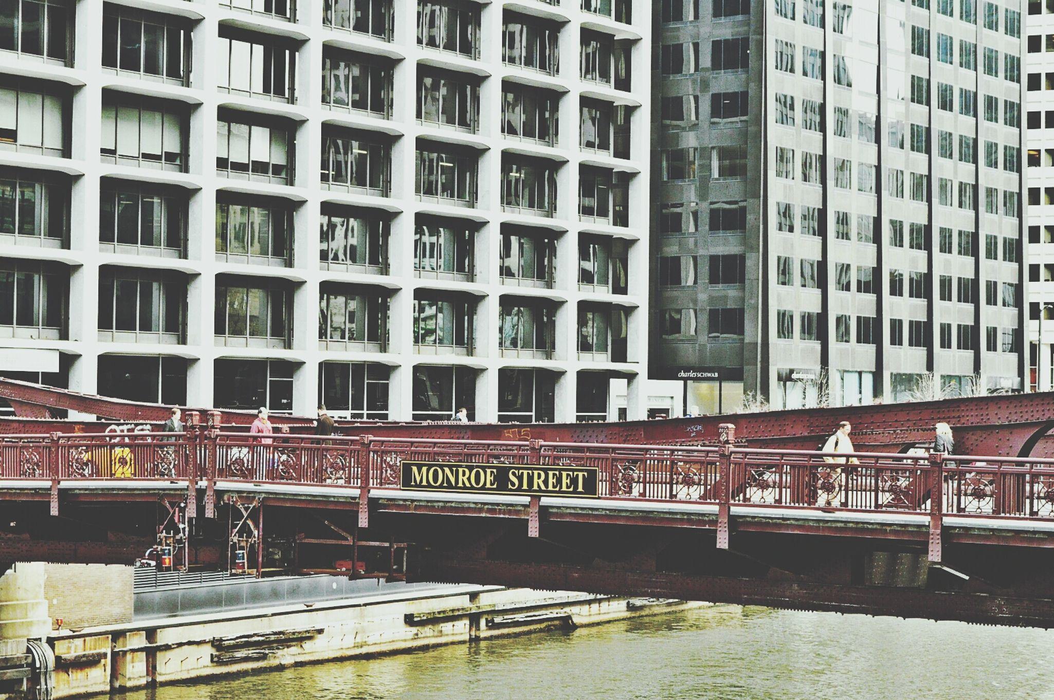 Downtown Chicago. Street Photo Monroe