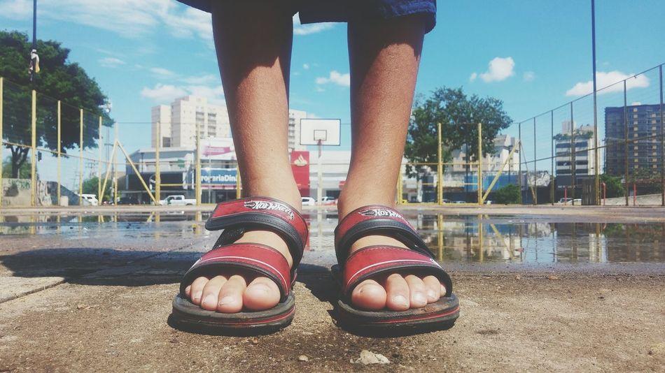 Taking Photos Filho Son Feet Pezinhos Basketball