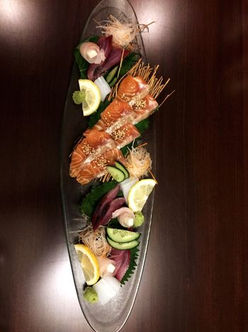 Food And Drink Indoors  Healthy Eating Seafood Food Japanese Food Sashimi Dinner Freshness Raw Food Raw Fish Still Lifef food] Still Life Food Foodporn still lifeHigh Angle ViewwNo PeopleeDirectly AboveeSushiiBowllReady-to-eattClose-uppSashimi iDayy