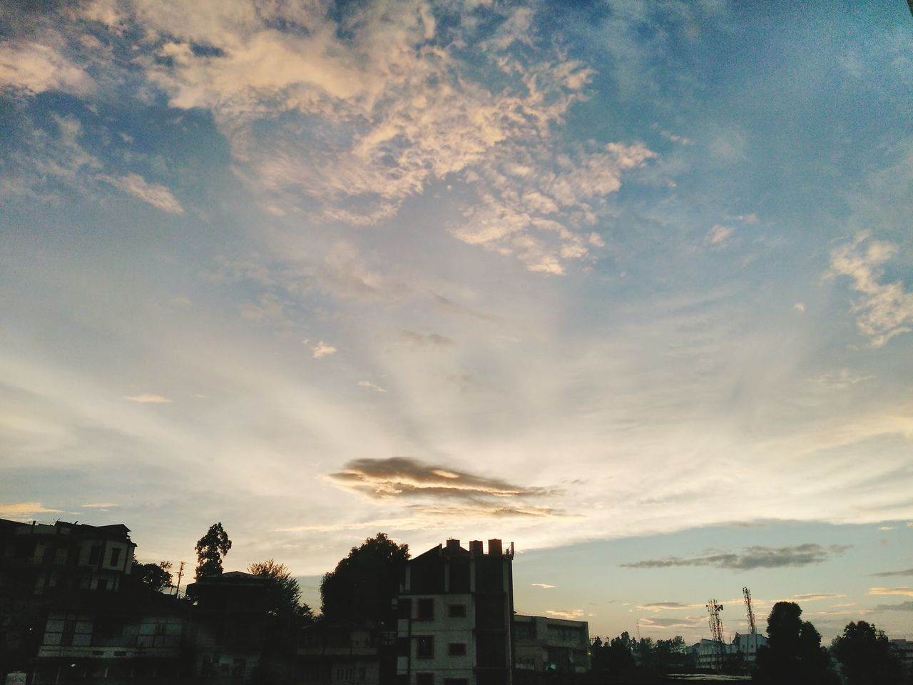 Sunset Cloud - Sky Dramatic Sky City Cityscape Dusk Sky Urban Skyline Summer Outdoors Tree Building Exterior Nature Multi Colored Built Structure No People Blue Night EyeEmNewHere Enjoying The View