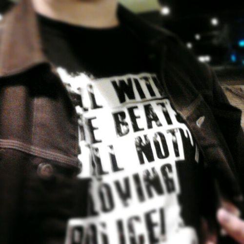 Still with the Beats still Not lovin Police... Koellewood s einzige Thugstyle Shirt ist mit Stilldre Drdre zitarhiphopclassic