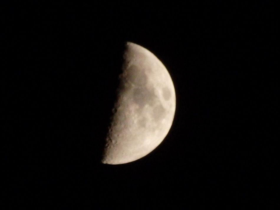 月齢6.88 Moon OLYMPUS SH-50