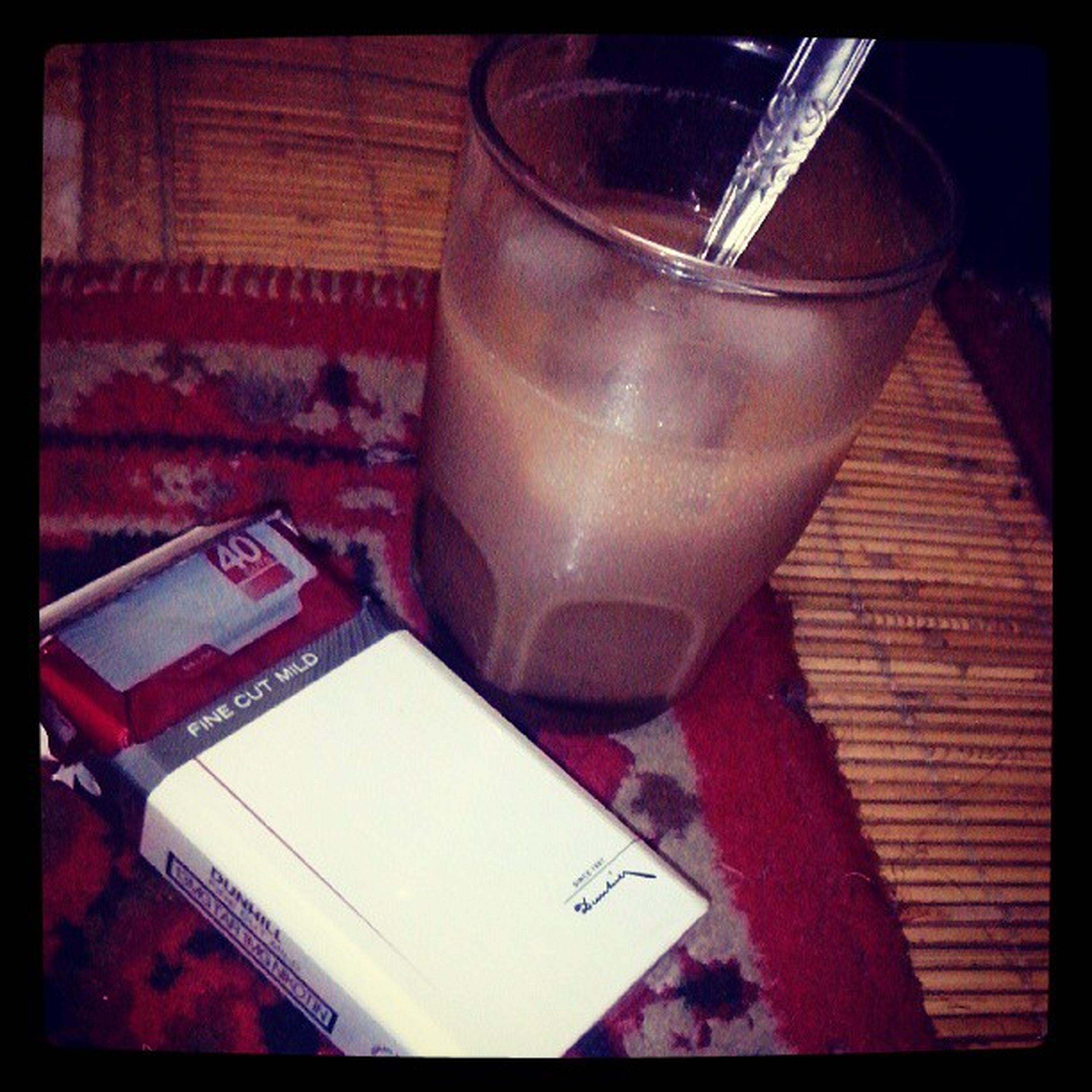 Berbuka dengan nikotin dan kafein. Dunhillmild Icedmocachinno Caffein Nicotine cigarette coffee