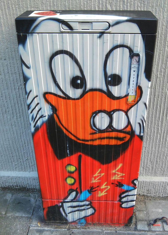Money makes the world go round Graffiti Art Cologne Köln Dagobertduck