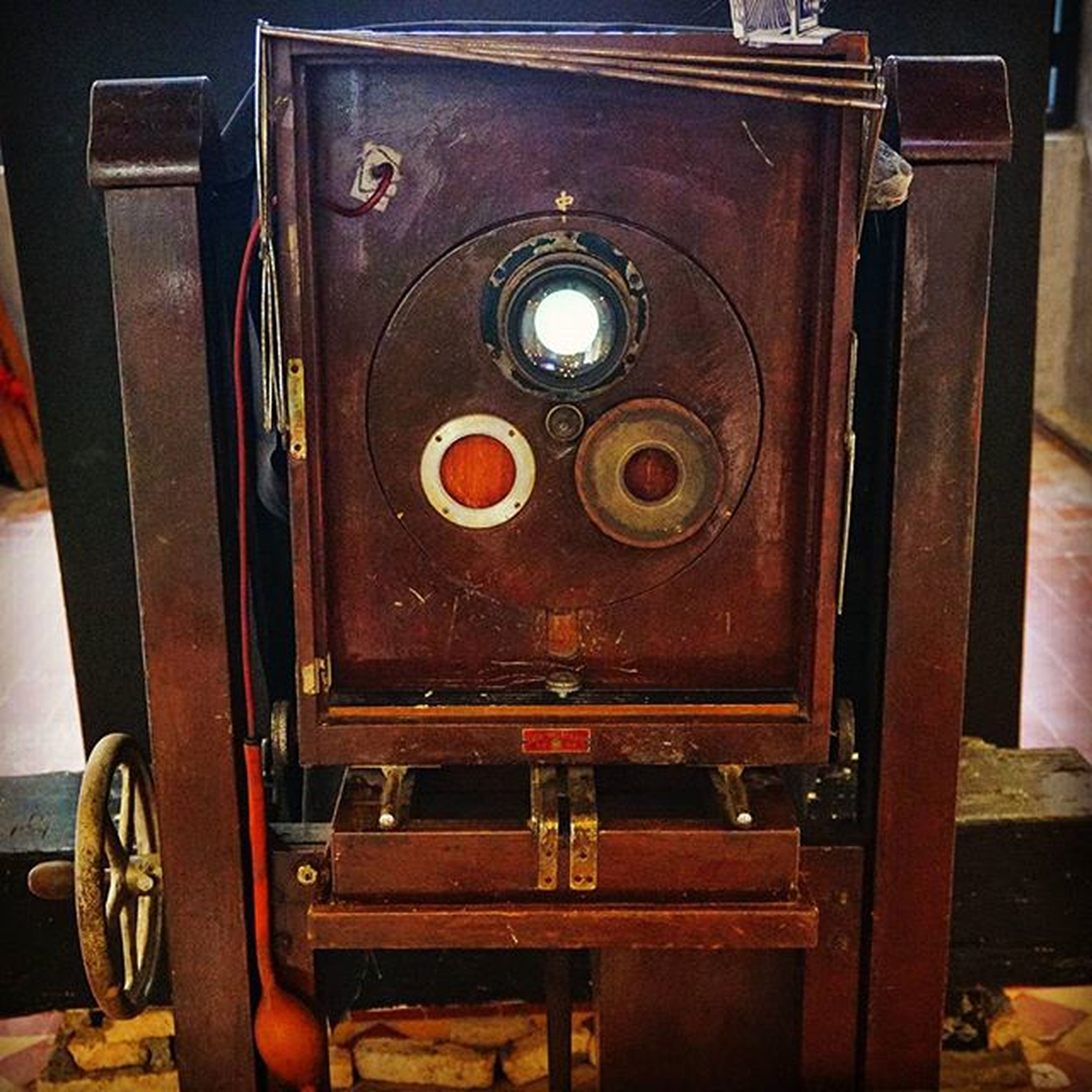 Worlds oldest view camera. Penang photo museum. Photography Camera Oldcameras Museum Viewcamera