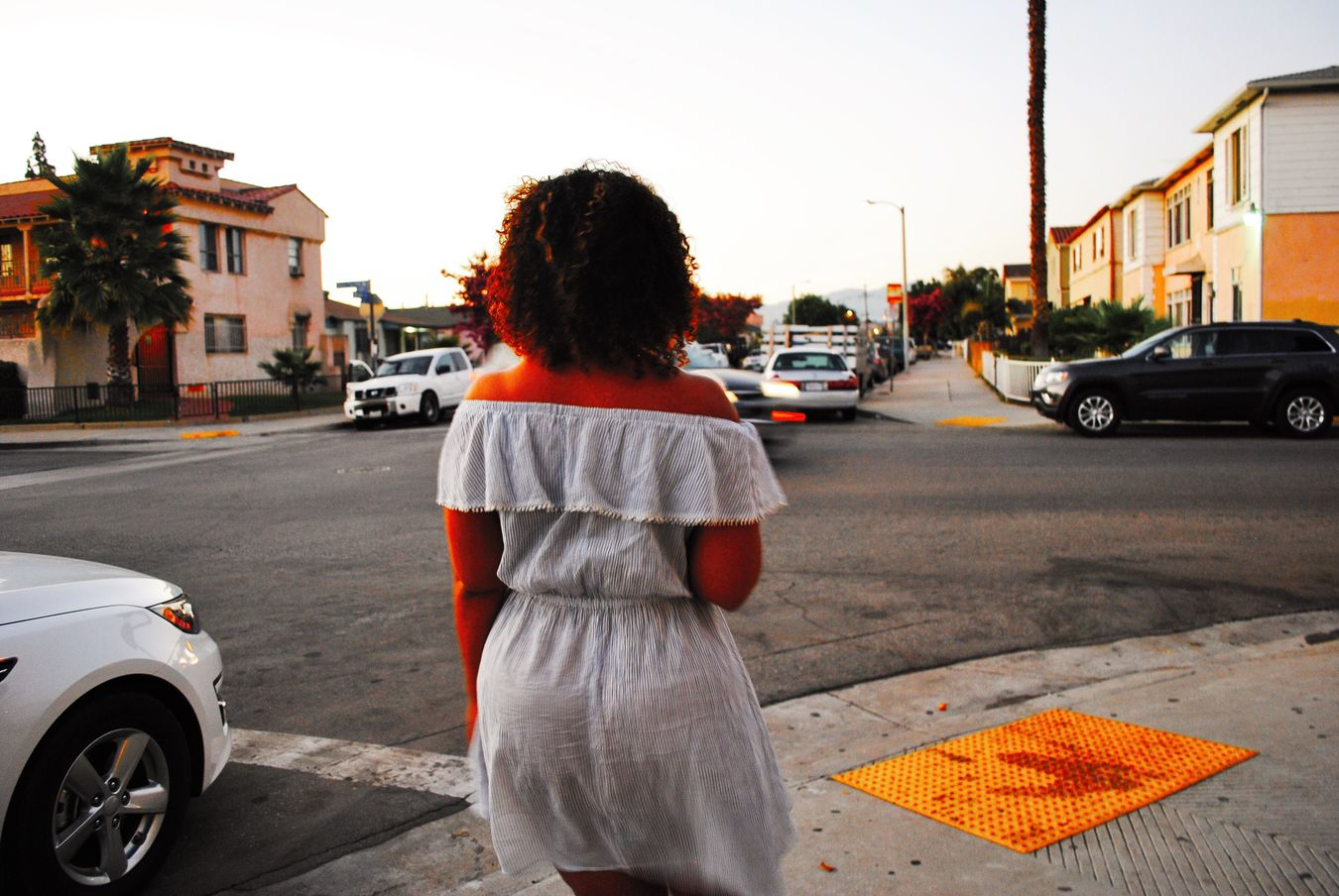 Fatbottomgirls are so fly. Eastlosangeles Eastla Creole Streetphotography Girls Curly Hair Bootylicious