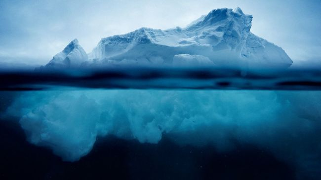 Iceberg Floating On Water Floating Nature Photography Check This Out Frozen Nature Market Bestsellers June 2016 Bestsellers