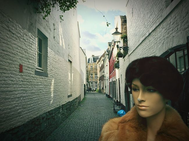 Lantaarnstraat in Maastricht. Maastricht Limburg Vintage Mannequin Netherlands Alley Alleyway Holland