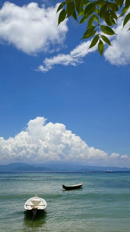 INDONESIA Bali Travel Photography Sea Boats⛵️ Sky And Clouds Calm 巴厘岛 海 舟 海景蓝天 白云 自然 旅行 旅行摄影 清纯 Eye4photography  Nature Hello World Sea_collection Seascape Sea Side Seascape Photography