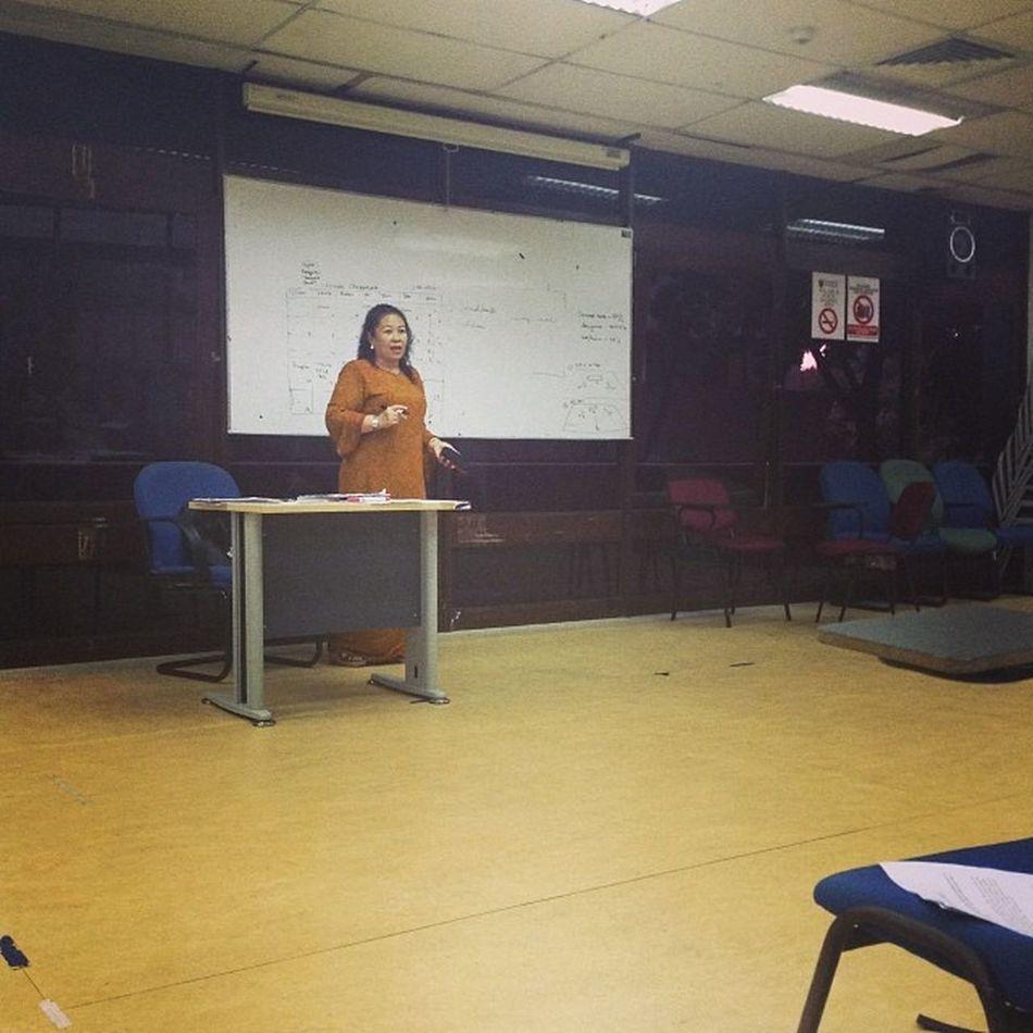 the best lecturer i ever had...heheheh Ciknani Anakdara