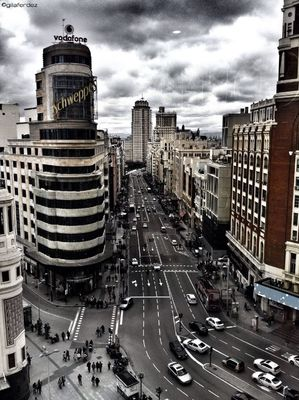 streetphotography at Calle Gran Vía by gilaferdez
