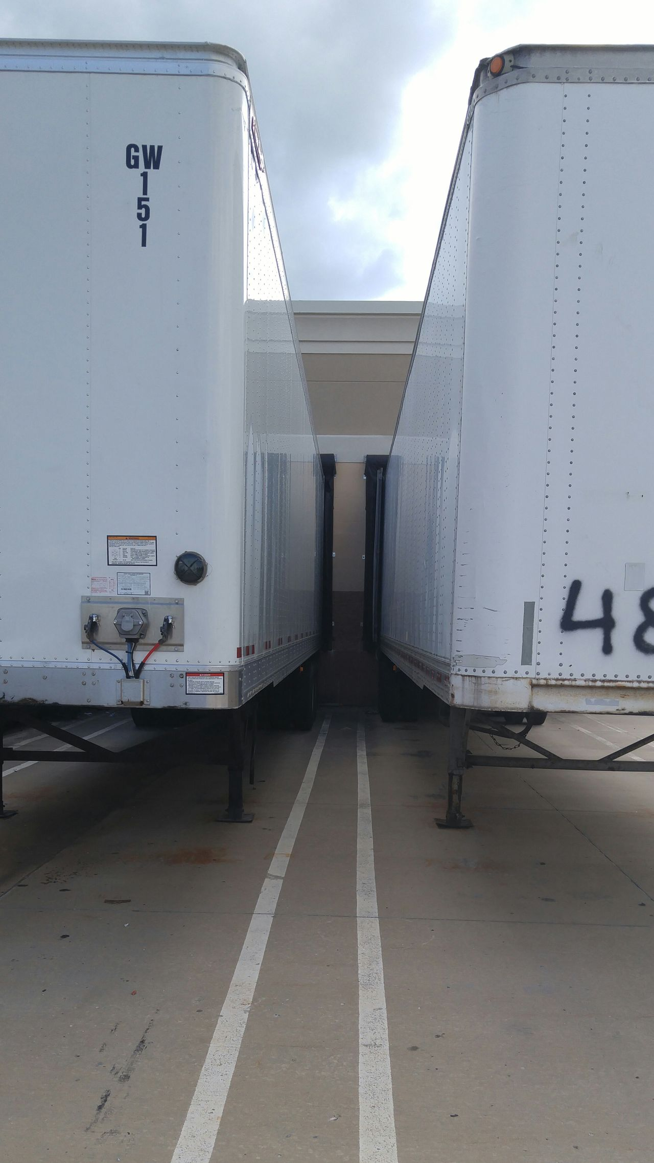 Trucking Trailor Loading Dock