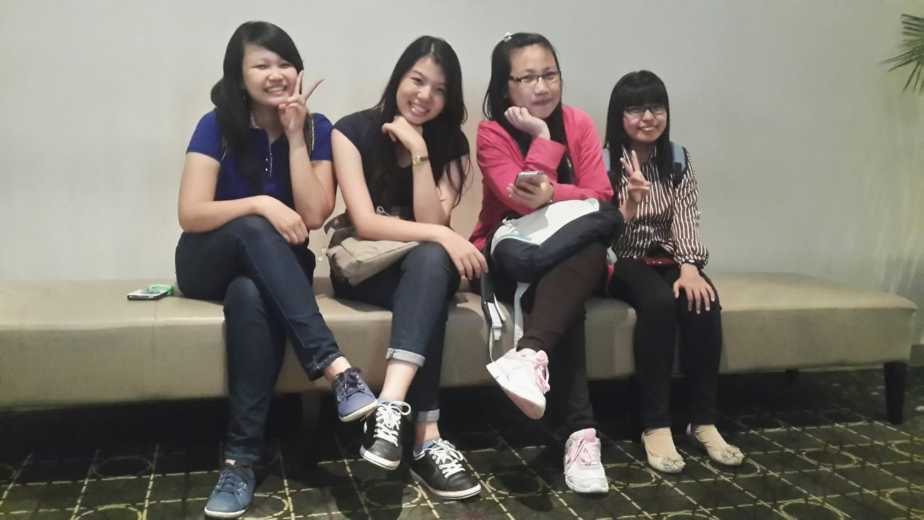 hangout after exam Girlsdayout Happyfriday♥