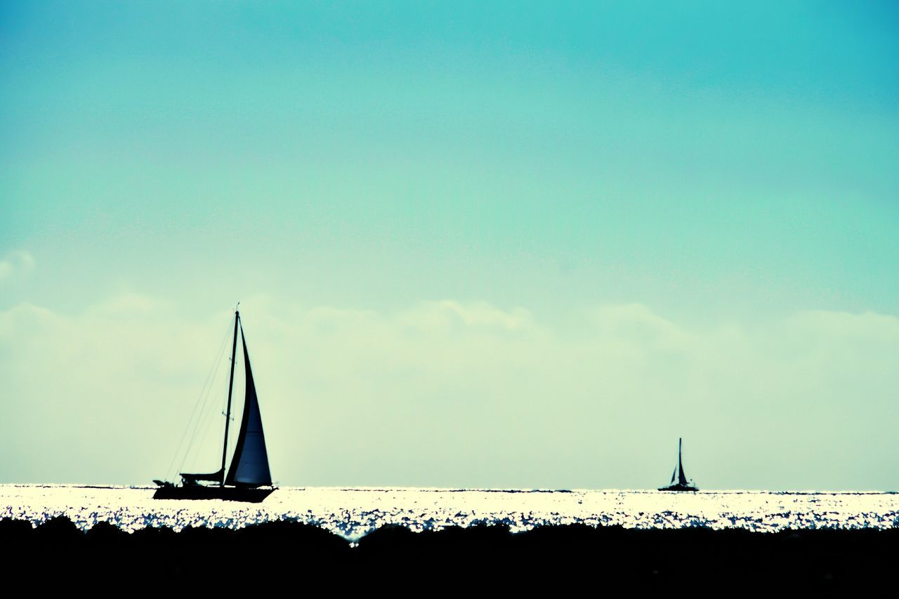 Ocean View Sailing Sailboat Hanging Out Taking Photos Check This Out Enjoying Life Darryn Doyle Tranquil Scene Taking Photos Copy Space Water Surface Hawaii Vacation Destination Background Sunset Sunset_collection Water Reflections Water Reflection Watersports