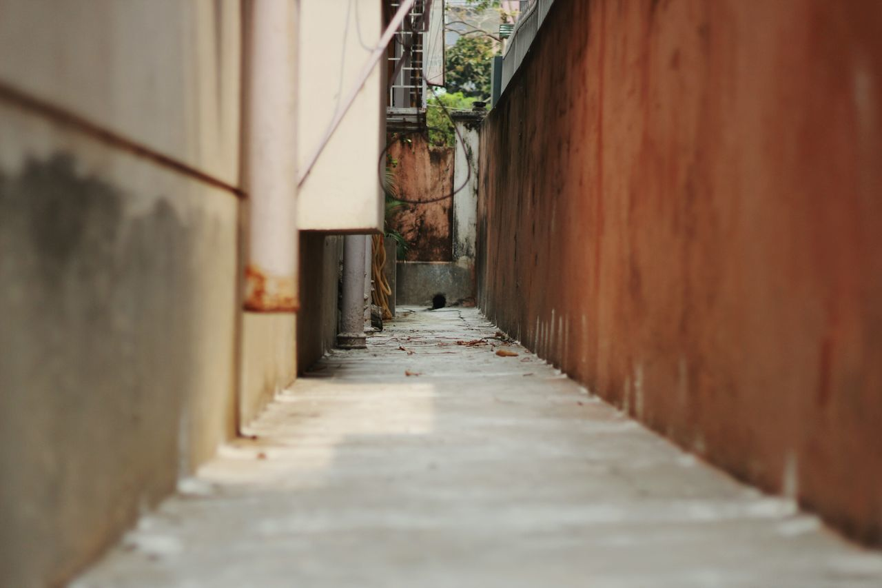 Built Structure The Way Forward High Contrast Architecture Building Exterior No People Day Outdoors Minimalist Architecture Full Frame Low Angle View Road Laneway Home Home Exterior